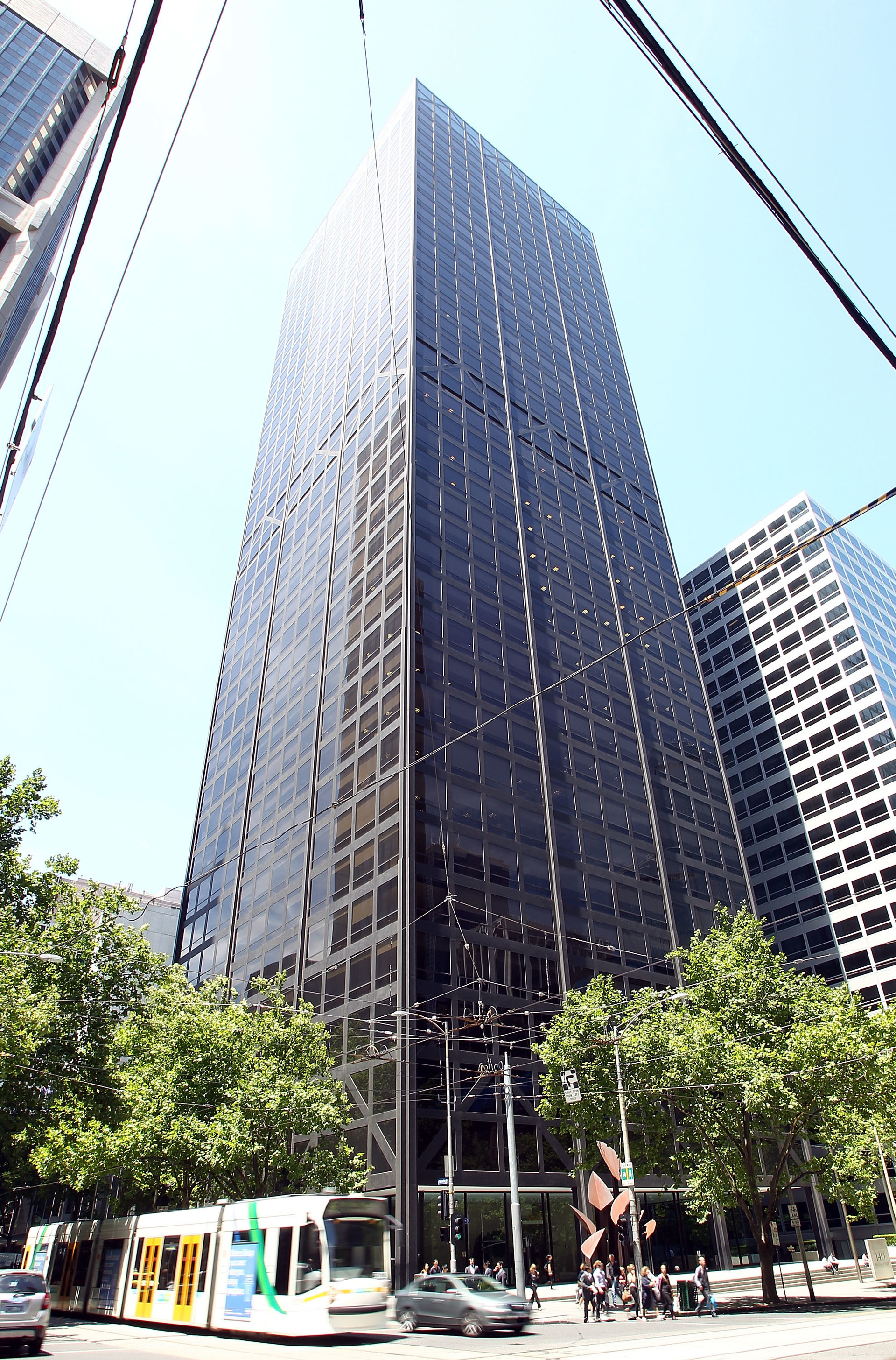 MODERN BUILDING OFFICES NOW AVAILABLE IN MELBOURNE WITH SPECTACULAR VIEWS