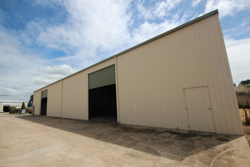 Industrial Office / Warehouse with Hardastand in Central Garbutt