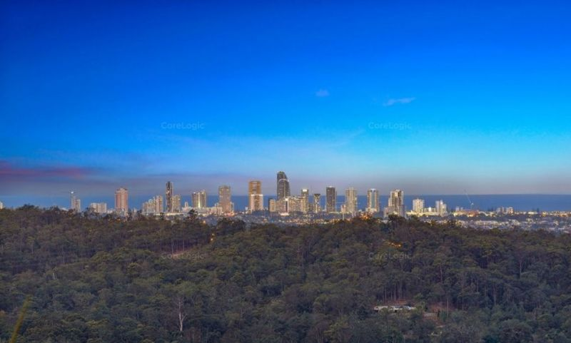 YOUR OWN PRIVATE HIDEAWAY WITH STUNNING CITY VIEWS
