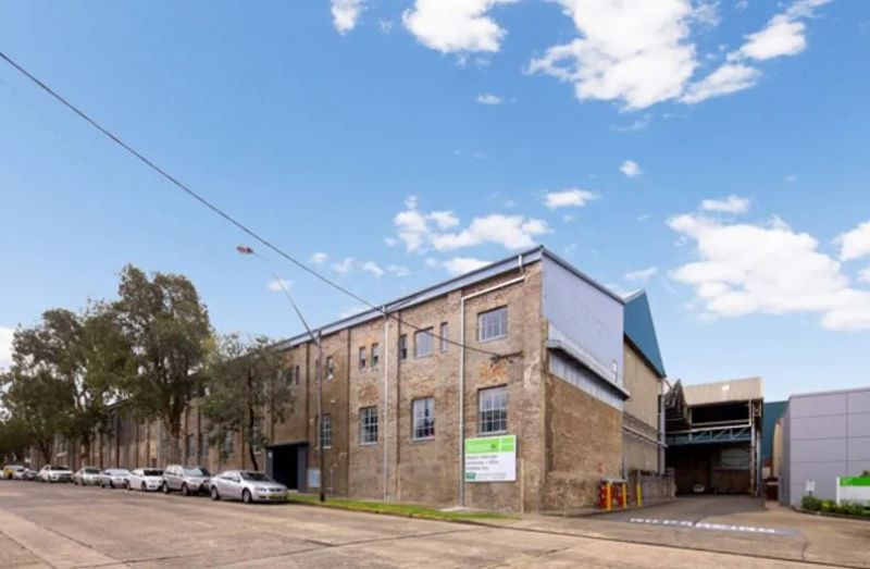 Large warehouse space in Alexandria