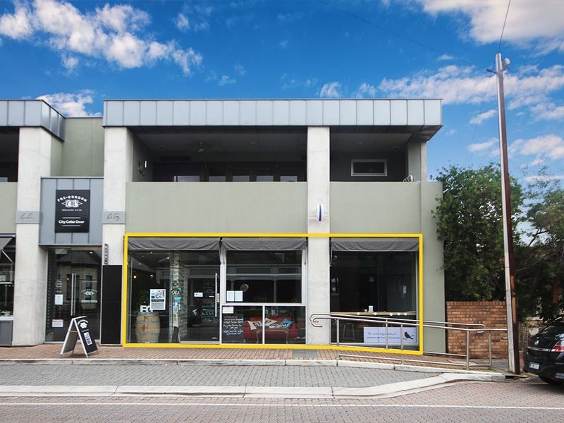 Modern Retail/Consulting/Office Space with high street exposure