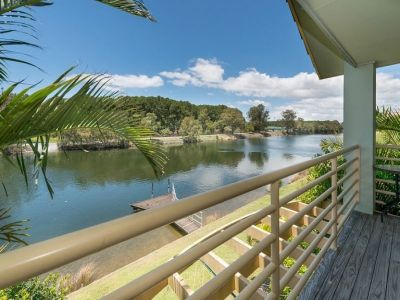 Direct Waterfront Opportunity - Central Location