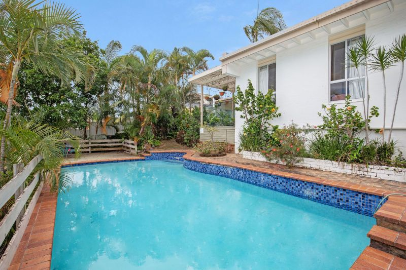 For Sale By Owner: 17 Platypus Ave, Bundall, QLD 4217