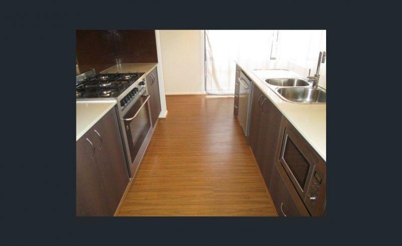 Private Rentals: 20 Freedman Ave, Williams Landing, VIC 3027