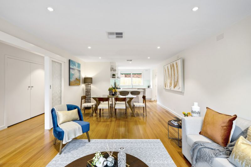 Contemporary comfort in central location