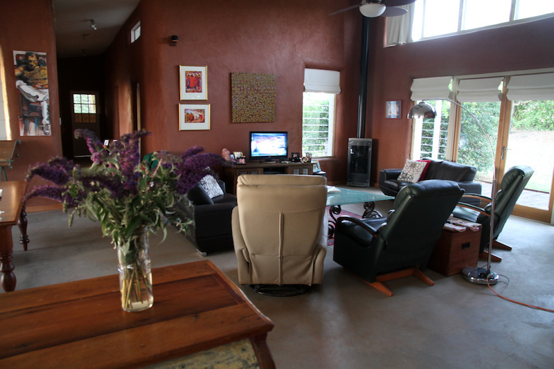 When is it Unique ?  Enjoy Straw Bale Executive Style Living Close to Town