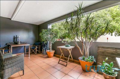 PERFECTLY LOCATED, MODERN AND AFFORDABLE EXECUTIVE APARTMENT