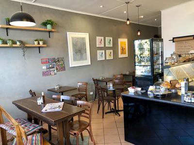 Boutique Cafe - No Competition - Rent only $180 Per Week !