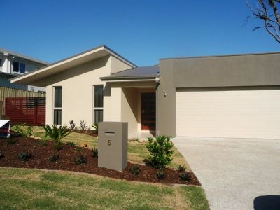 EXECUTIVE STYLE COOMERA BEAUTY