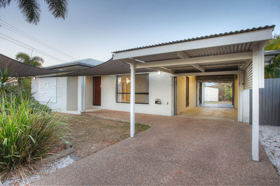 ATTENTION HOME BUYERS, ANYONE DOWNSIZING OR INVESTORS! IMMACULATELY PRESENTED FAMILY HOME - TWO STREET ACCESS + TWO DRIVEWAYS + A 6X4m2 SHED