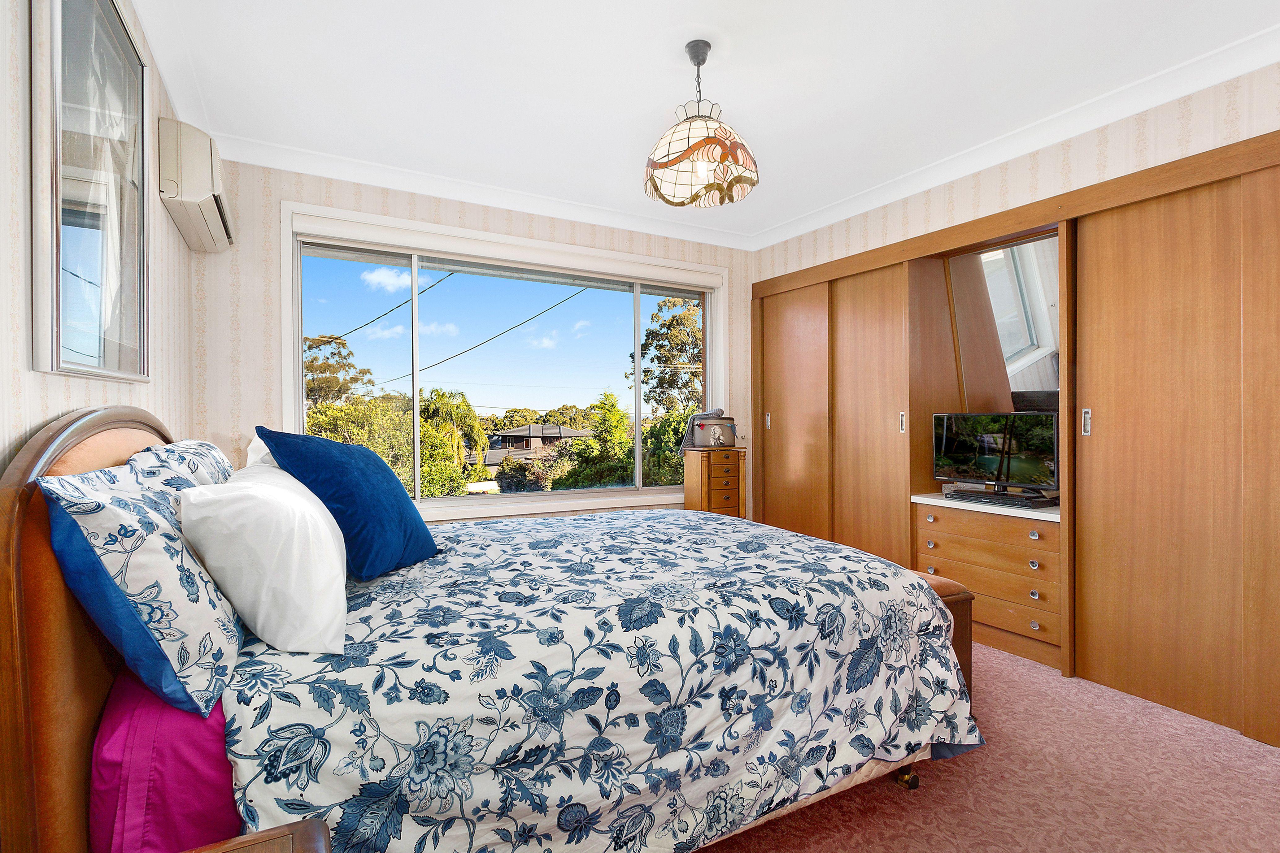 15 Talinga Avenue, Georges Hall NSW 2198
