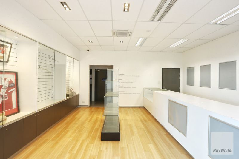 Fully integrated sales facility providing showroom, display yard, office and mechanical workshops to suit all requirements