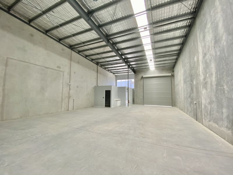 Brand New Warehouse With High Clearance