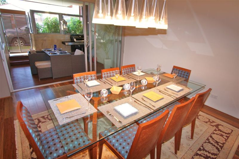 VAUCLUSE F/F 3BED 2BATH1 CAR PARK QUALITY APT IN SOUGHT AFTER AREA. A/C, VALUE.