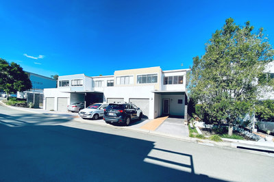 SPACIOUS 4 BEDROOM TOWNHOUSE