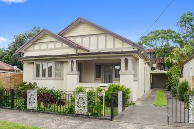 SOLD: 1920's Double Brick and Tile Bungalow