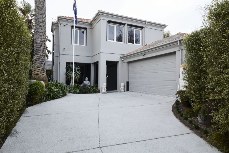 Freestanding Luxury in an Exclusive Precinct with Absolute Privacy