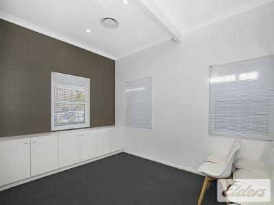 Stylish Professional Cottage