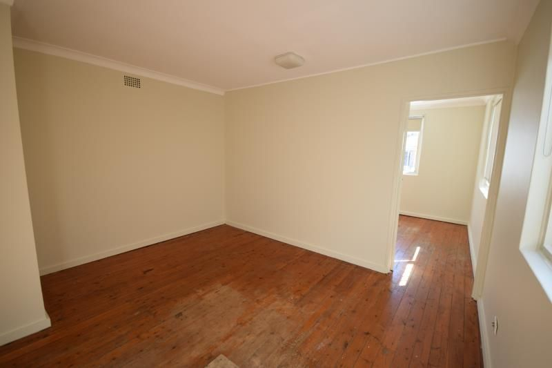 One Bedroom Unit Close to Maroubra Beach/Maroubra Shopping Centre