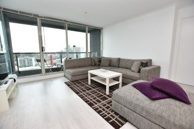 Southbank Condos: Furnished Light Filled Apartment!