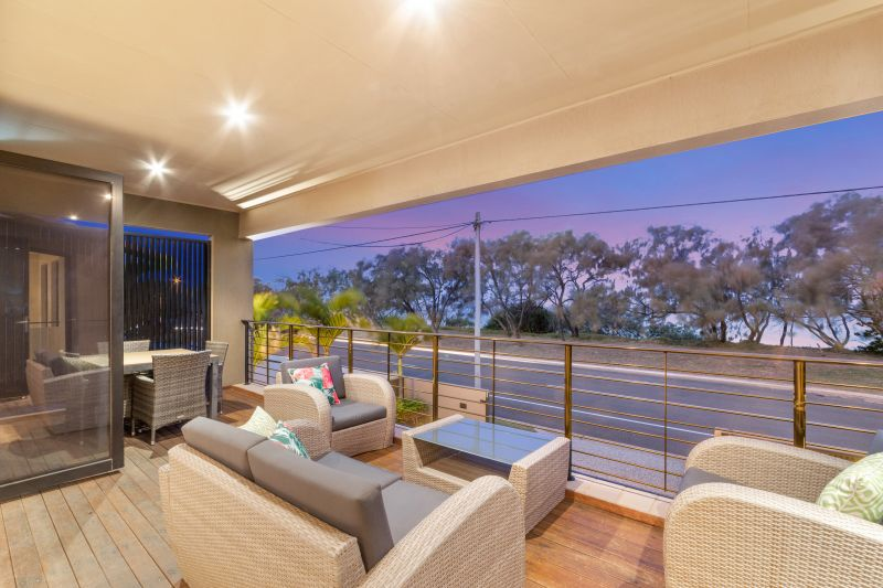 Modern Beachfront home - Auction on Site