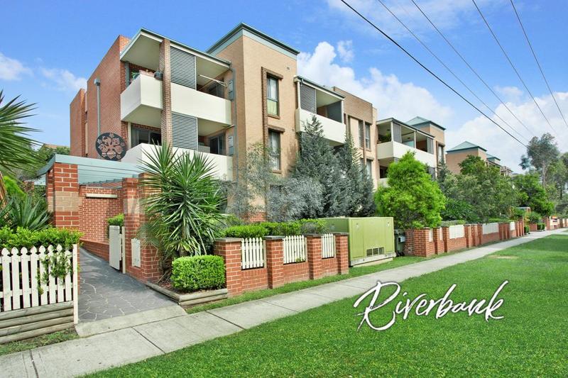 Conveniently located garden apartment