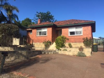 LARGE HOME CLOSE TO SCHOOL, PARK, SHOPS AND MORE!