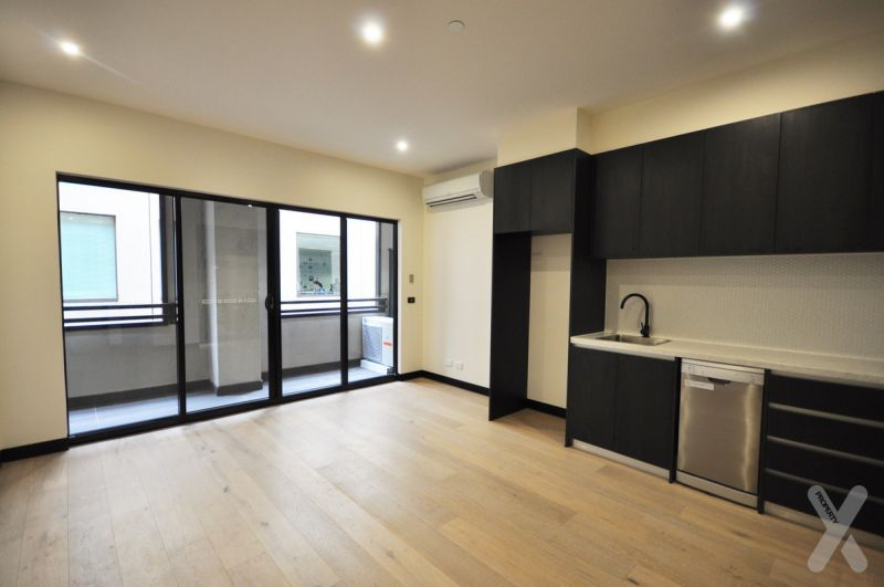PRIVATE INSPECTION AVAILABLE - One Bedroom Apartment close to Crown, Trains/Trams and Delicious food!