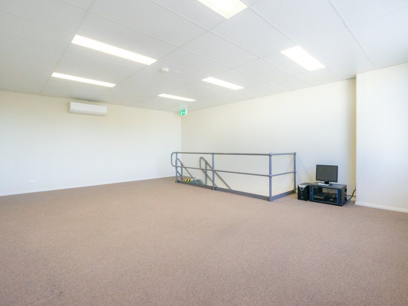 IMMACULATE WAREHOUSE, SHOWROOM & OFFICE
