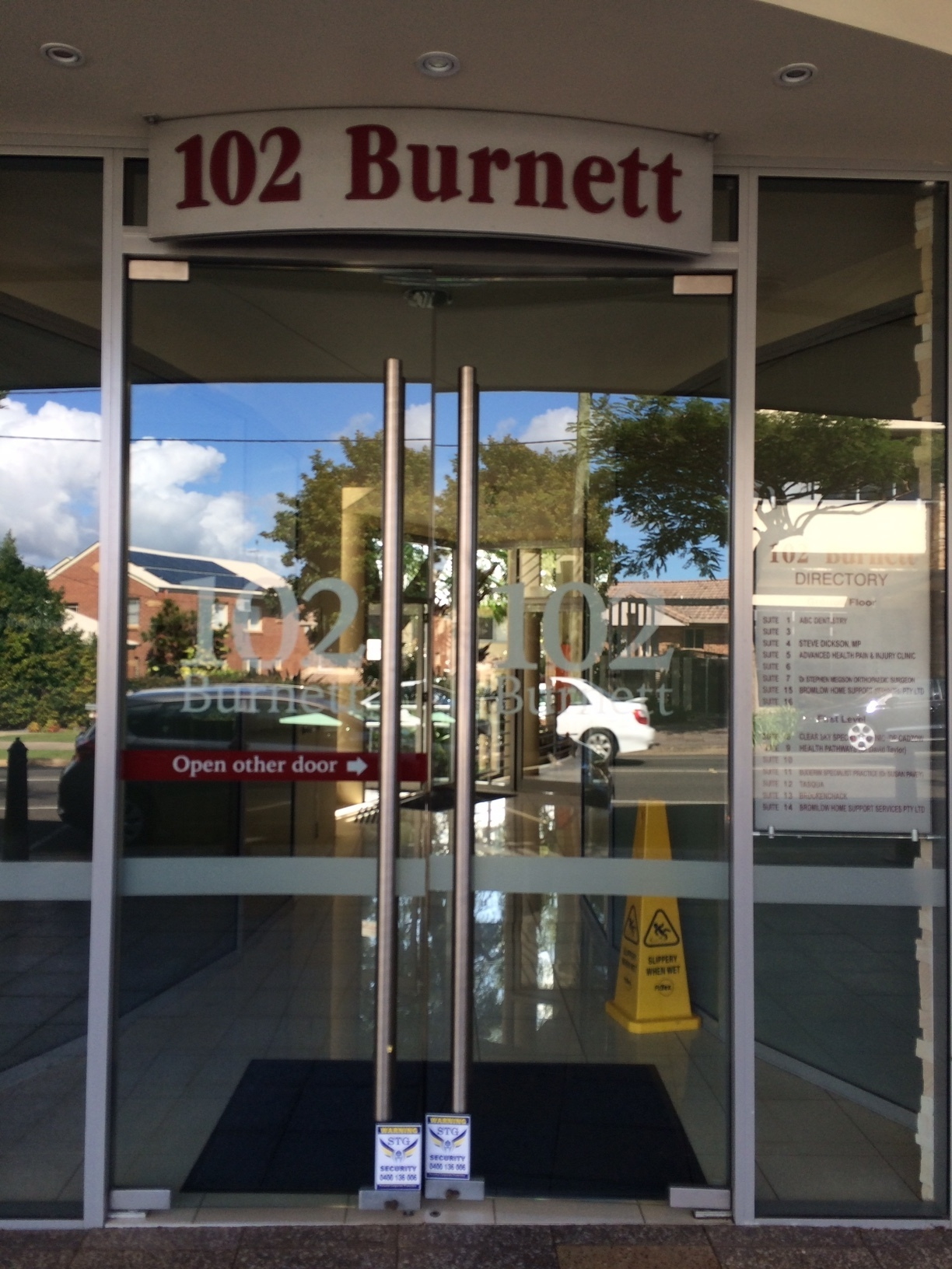 RARE BUDERIM GROUND FLOOR OFFICE / MEDICAL SUITE