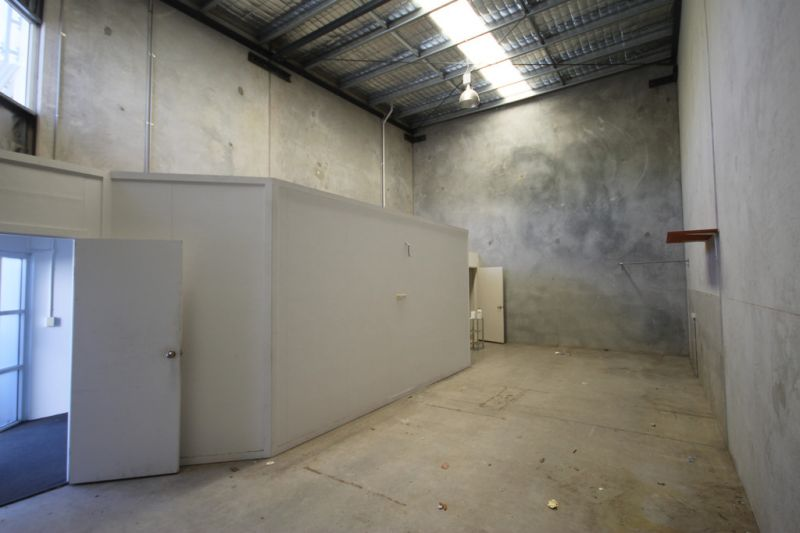 77sqm* MULTI USE INDUSTRIAL UNIT