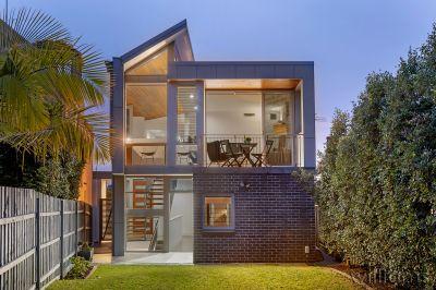 Cutting-edge Design and Panoramic Water Views