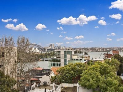Spectacular Living in Ultra Sought After Locale