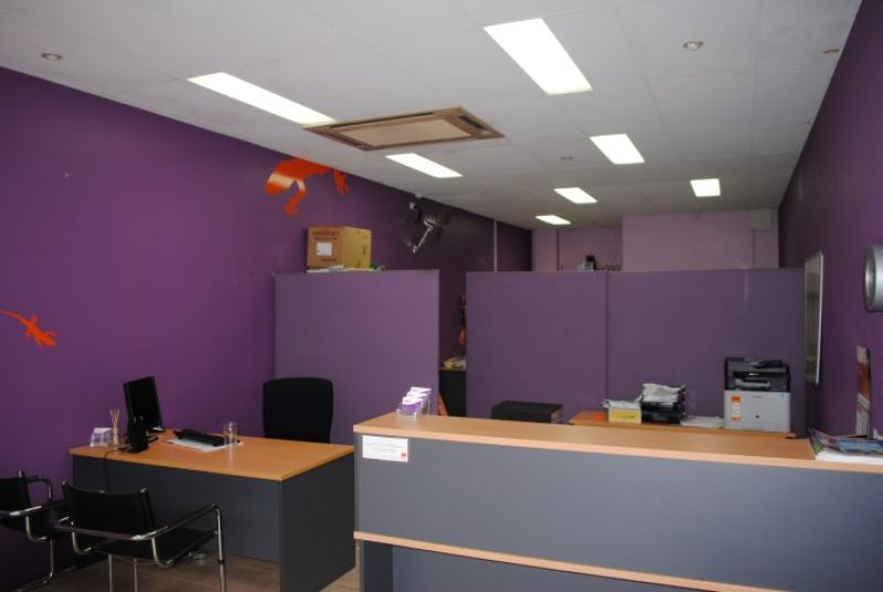 53m2* Medical/Office/Retail With Great Exposure