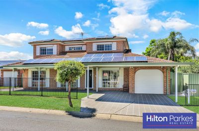 LARGE FAMILY HOME WITH ALL THE BELLS AND WHISTLES!