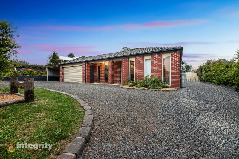 PERFECT FAMILY HOME ON 1/3 ACRE