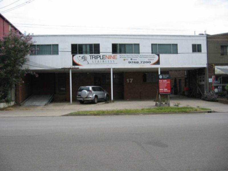 Solid Brick Factory / Office Located In Silverwater.