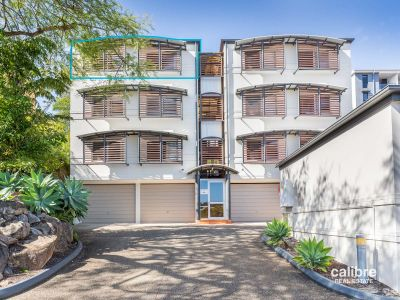 Top Floor Apartment in the Heart of Indro!
