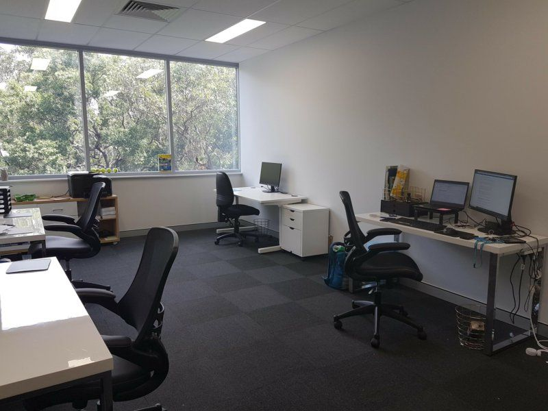 AMAZING OFFICE WITH ADDED EXTRAS!!