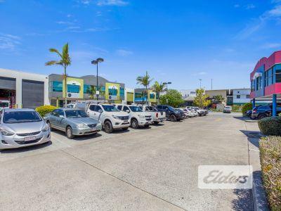 RARE INNER CITY OFFICE / WAREHOUSE | 6 CARS PARKS ONSITE!