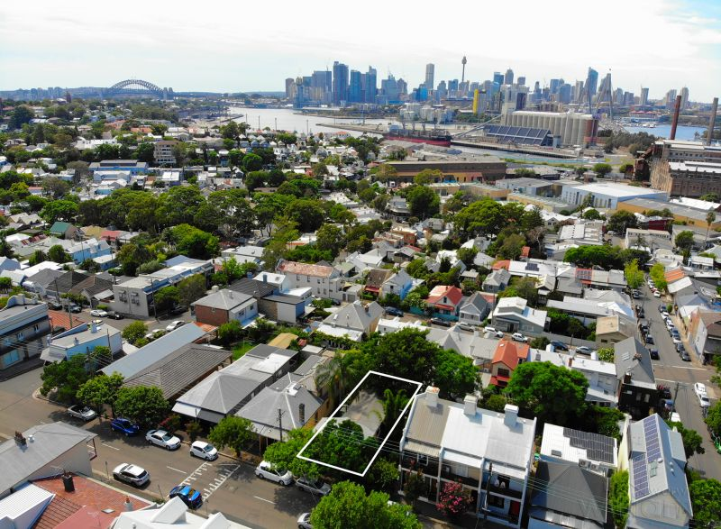 Exciting Potential on The Edge of Rozelle Village