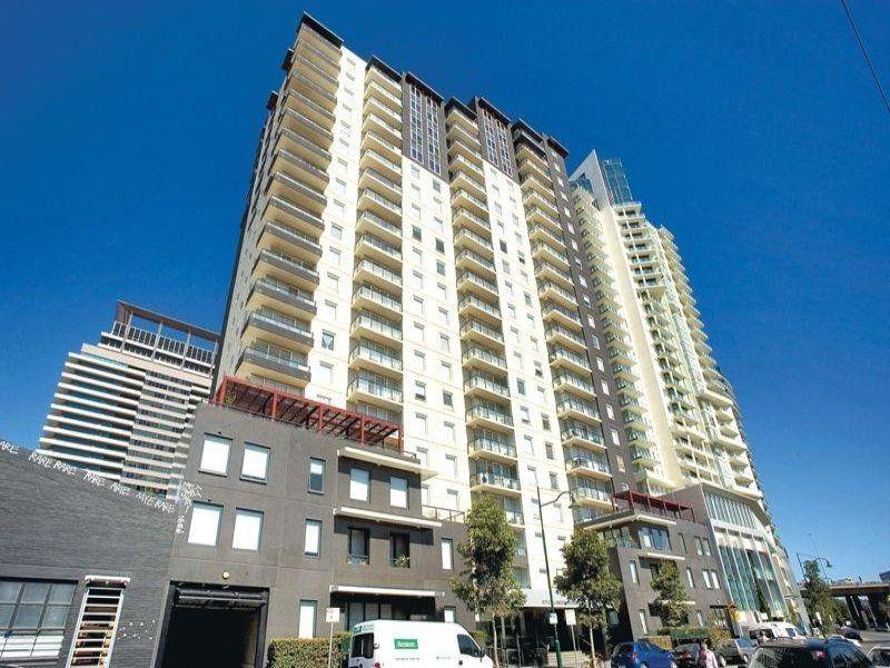Rivergarden Condos - 17th Floor: Walk To Work!