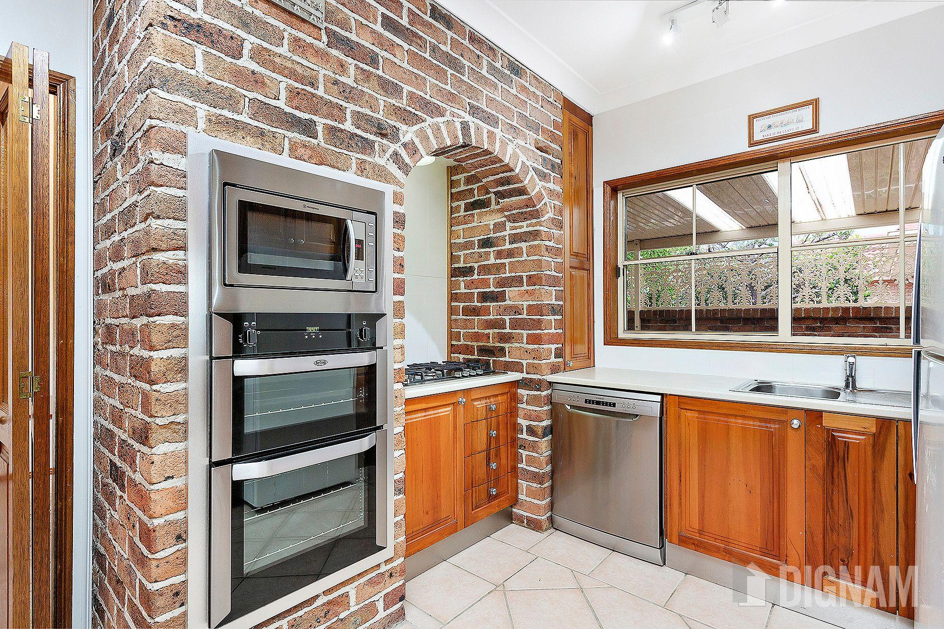 24 Halley Crescent, Woonona NSW