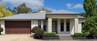5 bedroom home In the heart of the Clare Valley