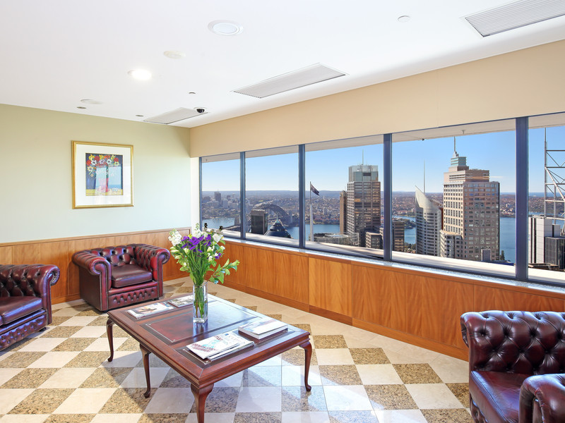 5-STAR OFFICES LOCATED IN THE HEART OF SYDNEY WELL KNOWN BUILDING.