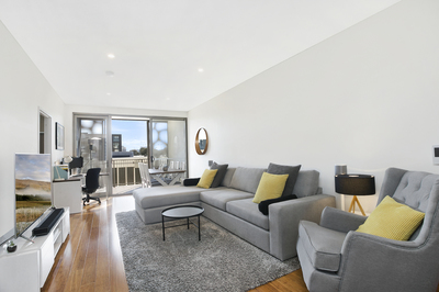 Best Value Rosebery Apartment in the LOOM!