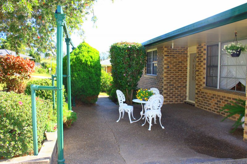 3 Bedrooms plus Guest Accommodation
