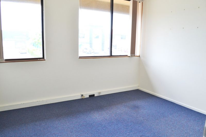Cheap Office With No Outgoings!
