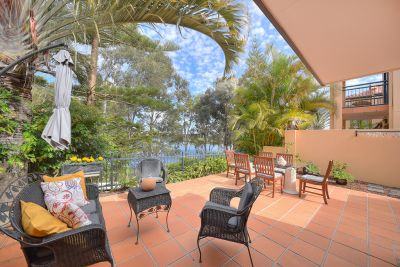 Beautiful Waterfront Townhouse Right on Robina's Doorstep