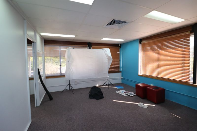 Large Office Space With Very Competitive Rental